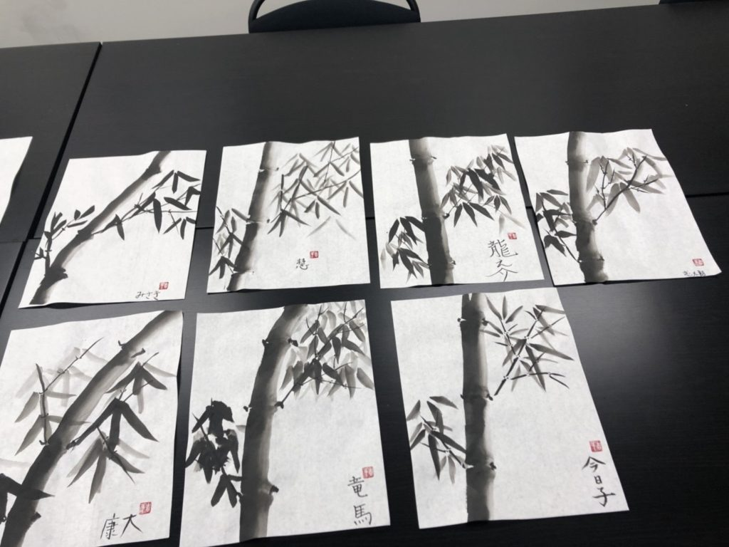 【d】  日本大好きプロジェクトによる伝統文化体験ワークショップ「水墨画」