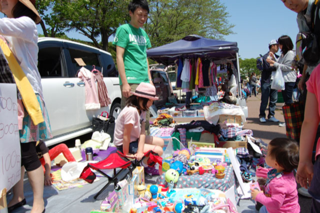 子ども服やおもちゃなど、掘り出し物を探しに行こう!