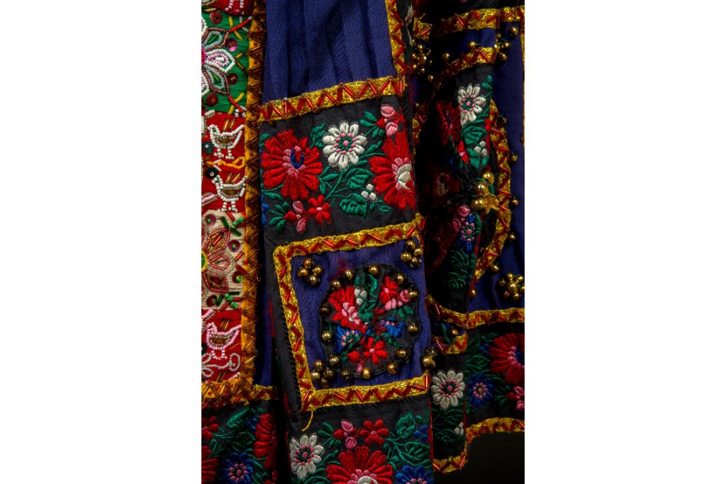 「刺繍」の魅力を幅広い分野の作品約230点を通して紹介