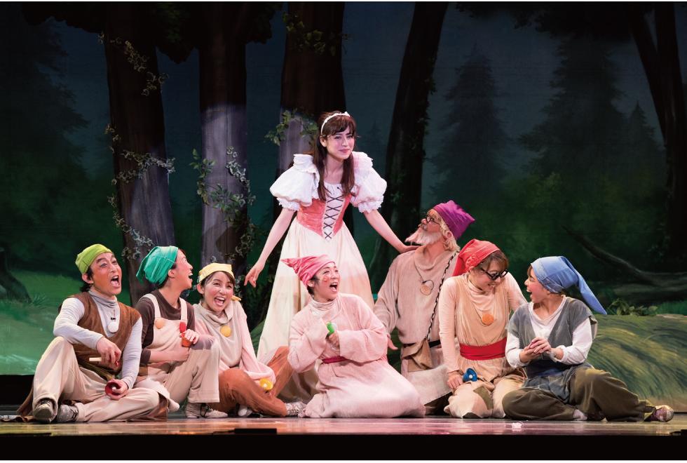 自然を愛し平和を願う心の美しさ、人々の絆が深まる感動の物語。グリム童話「白雪姫」のミュージカル!