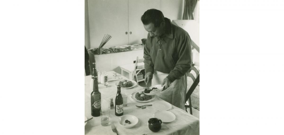 人生、芸術、そして食べることもまた戦いだと考えていた岡本の作品を 「食」という視点から読みとく試みです。